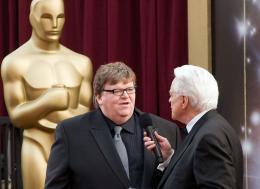 Sicko Michael Moore - Cérémonie des Oscars 2008, Tapis Rouge photo 1 sur 9