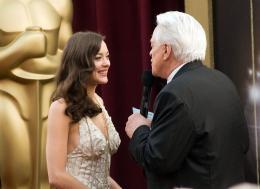photo 319/393 - 80�me C�r�monie des Oscars 2008 - Marion Cotillard - © A.M.P.A.S.