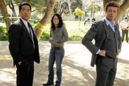 photo 2/67 - Tim Kang, Robin Tunney et Simon Baker - Saison 1 - Episode 23 - Mentalist - Saison 1 - © CBS