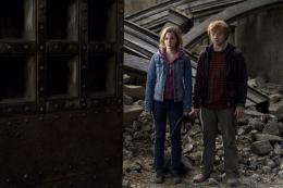 photo 50/132 - Emma Watson, Rupert Grint - Harry Potter et Les Reliques de la Mort - 2�me Partie - © Warner Bros