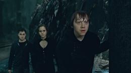 photo 13/132 - Daniel Radcliffe, Emma Watson, Rupert Grint - Harry Potter et Les Reliques de la Mort - 2ème Partie - © Warner Bros