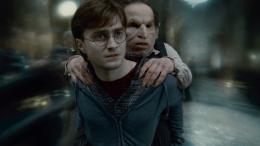 photo 15/132 - Daniel Radcliffe, Warwick Davis - Harry Potter et Les Reliques de la Mort - 2�me Partie - © Warner Bros