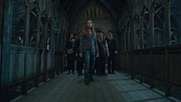 photo 8/132 - Bonnie Wright - Harry Potter et Les Reliques de la Mort - 2�me Partie - © Warner Bros
