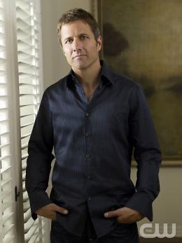 photo 24/55 - Rob Estes - Saison 1 - 90210 - Nouvelle génération - Saison 1 - © CW
