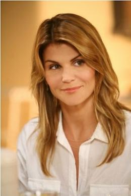 90210 - Nouvelle génération - Saison 1 Lori Loughlin - Saison 1 photo 2 sur 55