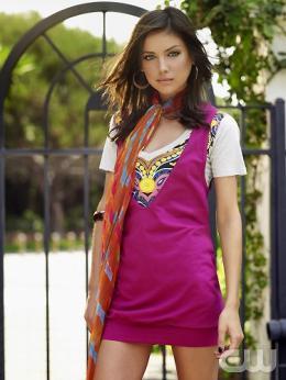 photo 25/55 - Jessica Stroup - Saison 1 - 90210 - Nouvelle génération - Saison 1 - © CW