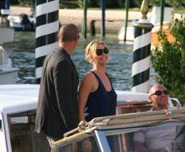photo 230/312 - Festival de Venise 2007 - Charlize Theron - © Isabelle Vautier pour Commeaucinema.com 2007