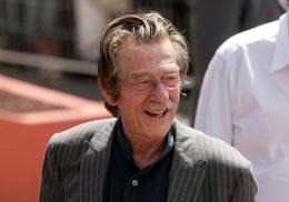 photo 94/126 - John Hurt - Pr�sentation d'Indiana Jones et le Royaume du Cr�ne de Cristal, Cannes le 18 mai 2008 - Indiana Jones et le Royaume du Cr�ne de Cristal - © Paramount