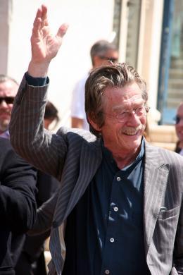 photo 86/126 - John Hurt - Pr�sentation d'Indiana Jones et le Royaume du Cr�ne de Cristal, Cannes le 18 mai 2008 - Indiana Jones et le Royaume du Cr�ne de Cristal - © Isabelle Vautier pour CommeAuCinema.com