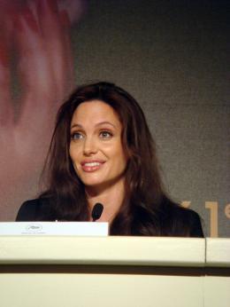 photo 62/92 - Angelina Jolie - Conf�rence de presse de L'Echange - Cannes, le 20 mai 2008 - L'�change - © Am�lie Chauvet Commeaucinema.com