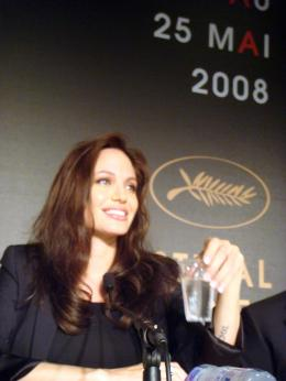photo 61/92 - Angelina Jolie - Conf�rence de presse de L'Echange - Cannes, le 20 mai 2008 - L'�change - © Am�lie Chauvet Commeaucinema.com
