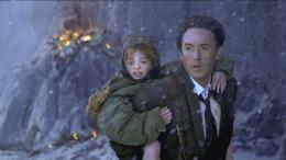 photo 28/36 - John Cusack - 2012 - © Sony Pictures