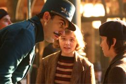 photo 24/46 - Sacha Baron Cohen, Chloe Grace Moretz, Asa Butterfield - Hugo Cabret - © Metropolitan Film