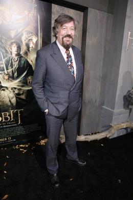 Stephen Fry Avant-premi�re - Le Hobbit La D�solation de Smaug photo 4 sur 24
