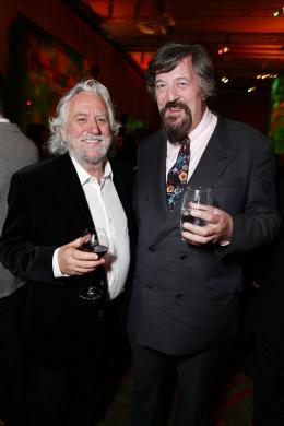photo 55/98 - Dan Hennah, Stephen Fry - Avant-première du film Le Hobbit La Désolation de Smaug - Le Hobbit : La désolation de Smaug - © Warner Bros