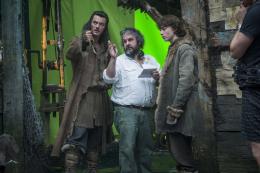 photo 23/98 - Luke Evans, Peter Jackson, John Bell - Le Hobbit : La désolation de Smaug - © Warner Bros