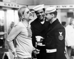 photo 3/4 - Hal Ashby, Otis Young et Jack Nicholson - La Dernière Corvée