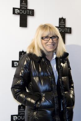 Mireille Darc  Avant-premi�re de Doute � Paris le 19 janvier 2009 photo 6 sur 6