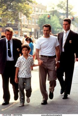 photo 3/3 - Robert De Niro, Francis Capra - Il était une fois le Bronx - © Opening