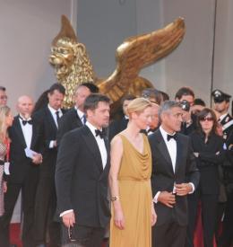 photo 88/99 - Brad Pitt, Tilda Swinton et George Clooney - Tapis Rouge du film Burn After Reading - Venise 2008 - Burn After Reading - © Isabelle Vautier pour Commeaucinema.com