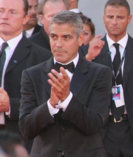 photo 92/99 - George Clooney - Tapis Rouge du film Burn After Reading - Venise 2008 - Burn After Reading - © Isabelle Vautier pour Commeaucinema.com