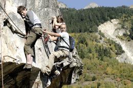 photo 25/33 - Johan Libéreau, Raphaël Lenglet et Fanny Valette - Vertige - © Gaumont Distribution