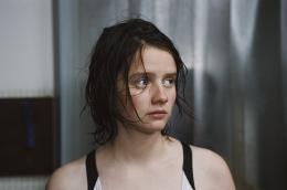 photo 1/6 - Pauline Etienne - Le Bel âge - © Sophie Dulac Distribution