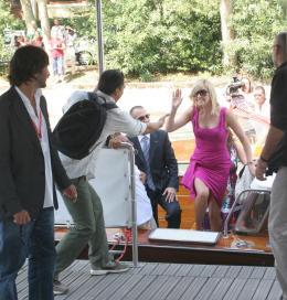 photo 194/312 - Festival de Venise 2008 - Charlize Theron - © Isabelle Vautier pour Commeaucinema.com