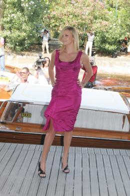 photo 186/312 - Festival de Venise 2008 - Charlize Theron - © Isabelle Vautier pour Commeaucinema.com