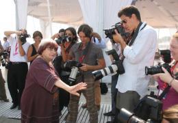 photo 19/24 - Agnès Varda - Présentation du film Les Plages d'Agnès - Venise 2008 - Les plages d'Agnès - © Isabelle Vautier - Commeaucinema.com