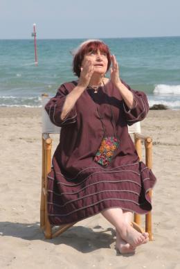 photo 20/24 - Agnès Varda - Présentation du film Les Plages d'Agnès - Venise 2008 - Les plages d'Agnès - © Isabelle Vautier - Commeaucinema.com