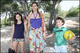 Une semaine sur deux (et la moitié des vacances scolaires) Jean-Baptiste Fonck, Bertille Chabert et Mathilde Seigner photo 4 sur 14