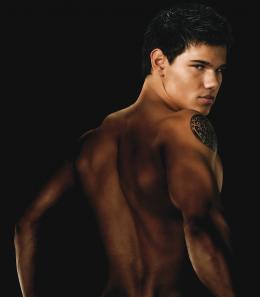 photo 47/106 - Taylor Lautner - Twilight - Chapitre 2 : Tentation - © SND
