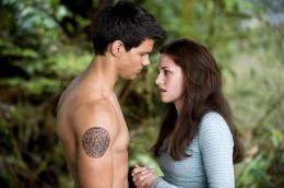photo 74/106 - Taylor Lautner, Kristen Stewart - Twilight - Chapitre 2 : Tentation - © SND