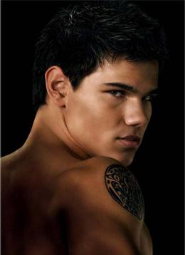 photo 34/106 - Taylor Lautner - Twilight - Chapitre 2 : Tentation - © SND