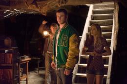 photo 2/13 - Chris Hemsworth, Fran Kranz, Anna Hutchison - La Cabane dans les bois - © Metropolitan Film