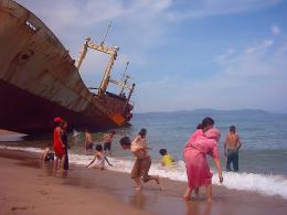photo 6/13 - La Chine est encore loin - © Tadrart Films