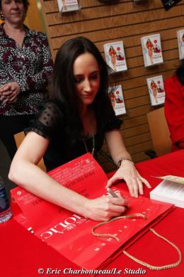 photo 106/122 - Sophie Kinsella - Dédicace du livre Confessions d'une accro du shopping le 23 Janvier 2009 - Confessions d'une accro du shopping
