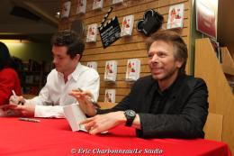 photo 102/122 - Hugh Dancy et Jerry Bruckheimer - Dédicace du livre Confessions d'une accro du shopping le 23 Janvier 2009 - Confessions d'une accro du shopping