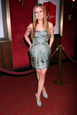 photo 72/122 - Isla Fisher - Avant-première du film Confessions d'une accro du shopping le 5 Février 2009 - Confessions d'une accro du shopping