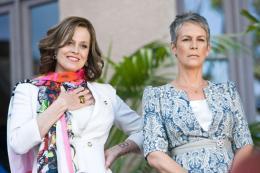photo 8/10 - Jamie Lee Curtis, Sigourney Weaver - Encore Toi !