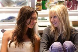photo 5/10 - Kristen Bell, Odette Yustman - Encore Toi !