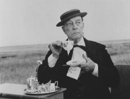 photo 2/4 - Buster Keaton - The Railrodder - © Splendor Films