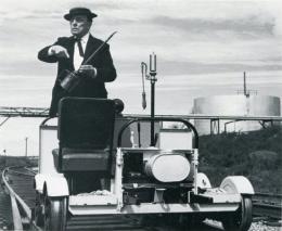 photo 1/4 - Buster Keaton - The Railrodder - © Splendor Films