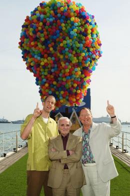 photo 138/409 - John Lasseter, Charles Aznavour et Pete Docter - L�-Haut - © Walt Disney Studios Motion Pictures France