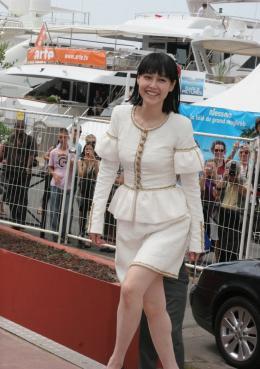 photo 22/36 - Rinko Kikuchi - Festival de Cannes 2009 - Carte des sons de Tokyo - © Isabelle Vautier pour Commeaucinema.com 2009