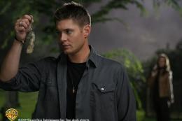 photo 18/21 - Jensen Ackles - Saison 3 - Supernatural - Saison 3 - © Warner Home Vidéo