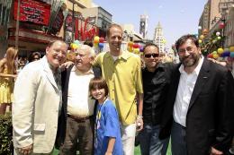photo 245/409 - John Lasseter, Ed Asner, Pete Docter, Jonas Rivera et Bob Peterson - Avant-premi�re L�-Haut � Los Angeles - L�-Haut - © Eric Charbonneau