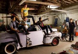 photo 36/316 - Blake Jenner, Jacob Artist, Harry Shum Jr., Chord Overstreet, Kevin McHale, Cory Monteith, Samuel Larsen - Glee - © Fox