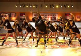 photo 46/316 - Jenna Ushkowitz, Alex Newell - Glee - © Fox